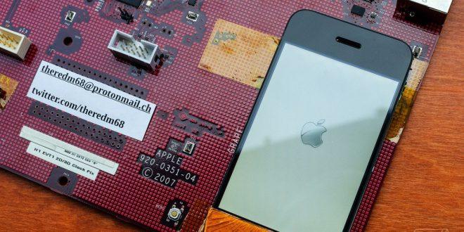 """Základní deska prvního iPhone připomíná počítač: podívejte se, co vše """"Purple 2"""" uměl"""