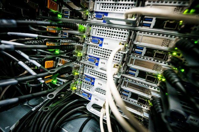 ČVUT se pyšní nejvýkonnějším superpočítačem pro výzkum umělé inteligence v ČR