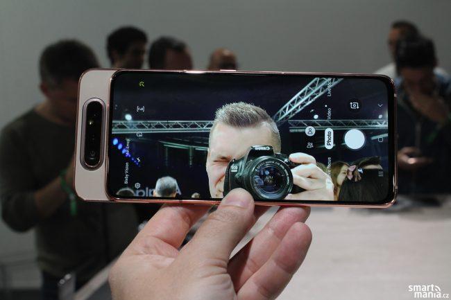 Samsung Galaxy A80 potěší všechny selfie maniaky :-)