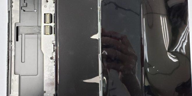 Samsung Galaxy Fold kompletně rozebrán: displej se zachránit nepodařilo
