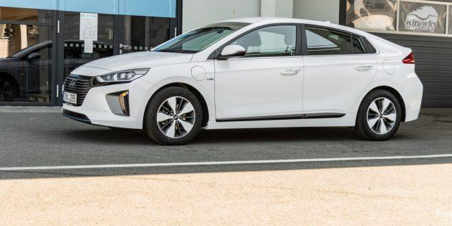 Test Hyundai IONIQ plug-in hybrid: řešení na půl cesty