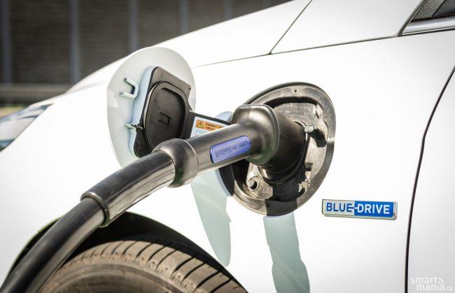 Plug-in hybrid na rozdíl od obyčejného hybridu musíte nabíjet. Jinak jeho koupě nedává smysl.