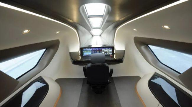 Čína ukázala nový prototyp rychlovlaku. S rychlostí 600 km/h chce konkurovat letadlům