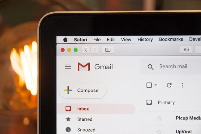 Hackeři mají nový způsob, jak vyděsit uživatele: tvrdí jim, že je mají natočené při sledování porna