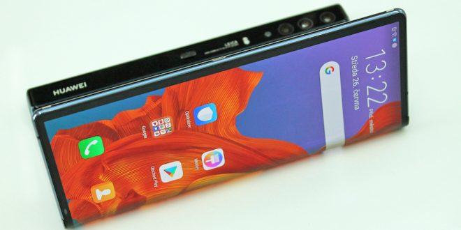 Huawei Mate X: nadčasová skládačka s ohebným displejem (první dojmy)