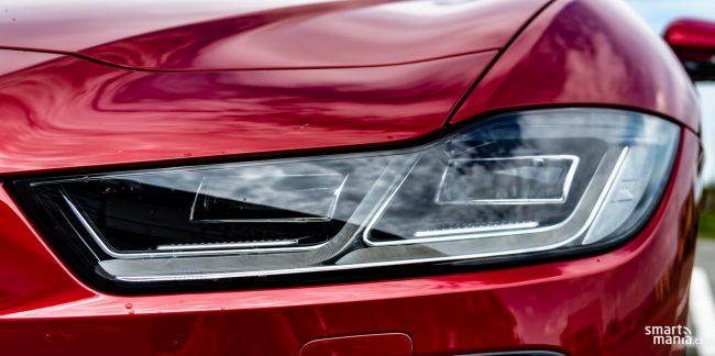 Kočky skvěle vidí ve tmě. A Jaguar je taky kočka. Technologie pochopitelně sází na LED.