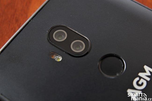 AGM X3 nabízí duální fotoaparát
