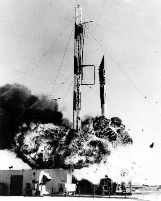 Vanguard rocket explodes apollo