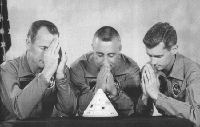 apollo 1 posadka modlitba