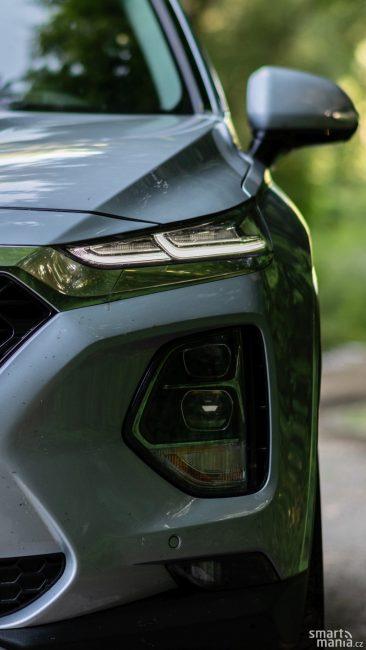 LED světlomety svítí skvěle. Už bychom ale přivítali světlomety typu Matrix. Ty Hyundai nenabízí ani za příplatek.