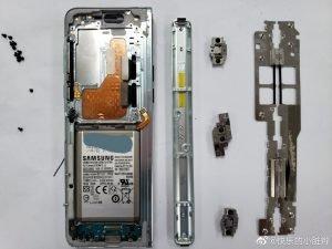 Samsung Galaxy Fold Rozebran 4