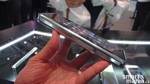 Samsung Galaxy Fold 5G 01
