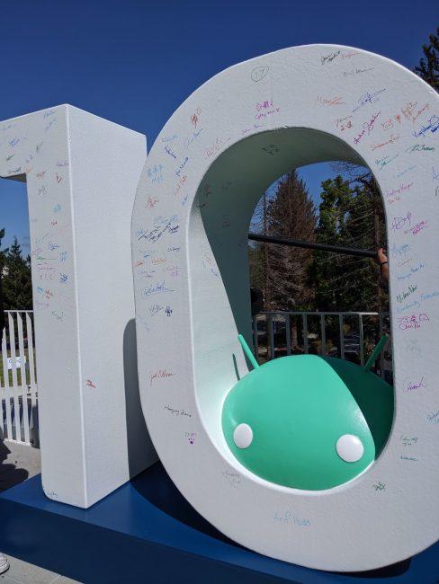 android 10 socha