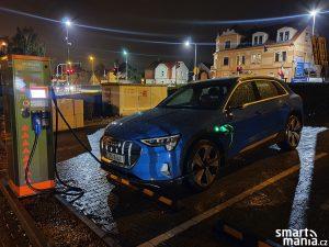 Audi etron 01