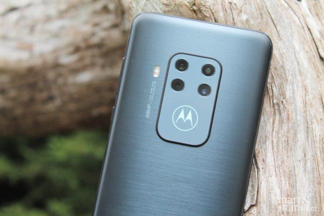 Motorola One Zoom 10