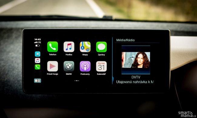 Apple CarPlay je nově bez kabelu.