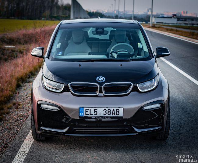 Design BMW i3 je opravdu specifický. Ale BMW ledvinky nechybí.