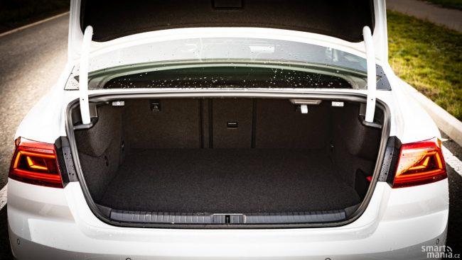 GTE existuje jako limuzína i jako kombi s názvem Variant.