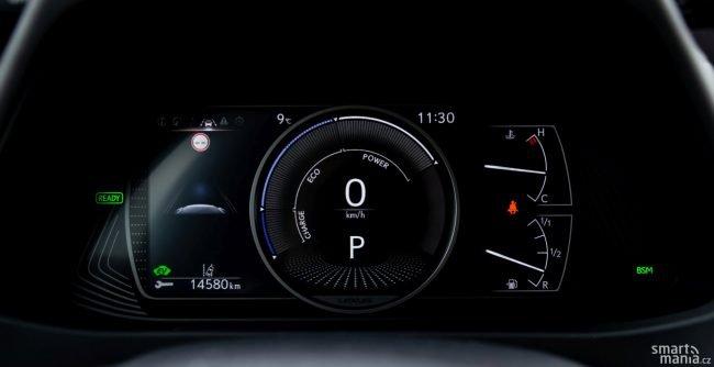 Ve standardní zobrazení řidič otáčky motoru nevidí. Vidí jen to, zda rekuperuje, zda jede ekologicky nebo zda využívá plný výkon motoru.