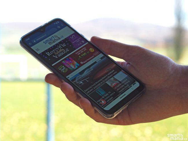 Motorola One Macro 07