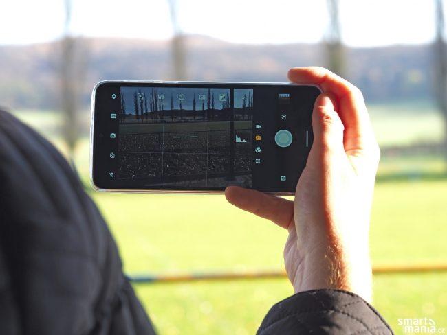 Motorola One Macro 08