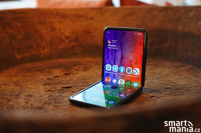 Samsung Galaxy Z Flip 02 1