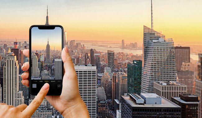 roaming smartphone camera