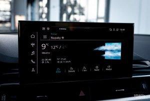 Audi connect umí zobrazit počasí ve vašem místě, i v cílové destinaci a předpověď umí přečíst v češtině.