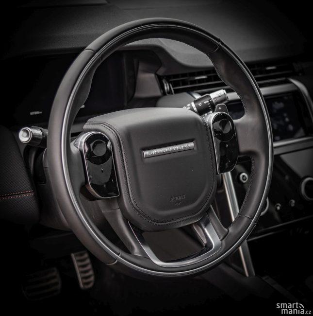 Design volantů Land Roverů je tak typický.