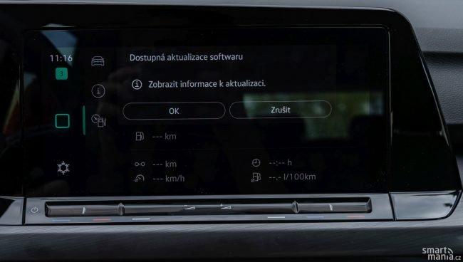 Kdo najde ovládání změny teploty v autě? Auta budou dostávat aktualizace podobně často, jako třeba smartphony.