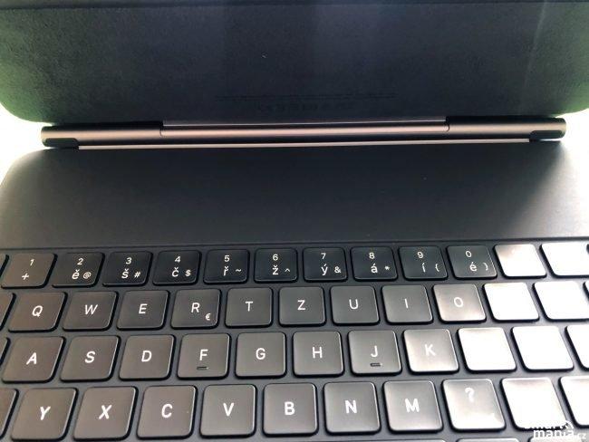 Apple Magic Keyboard 2020 07