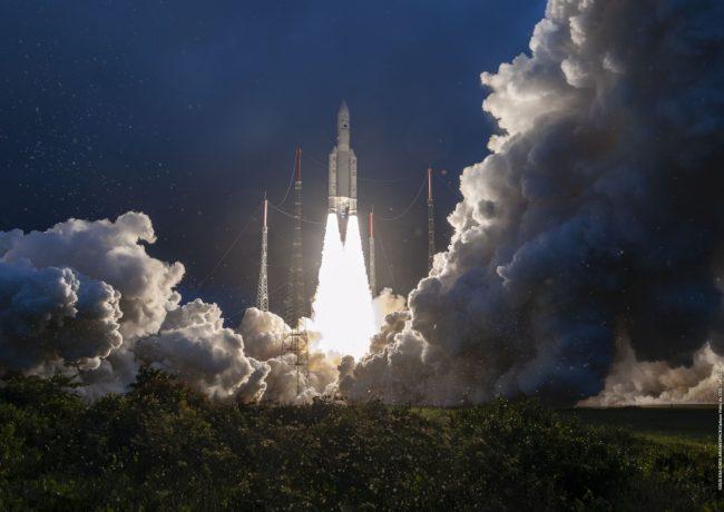 Ariane 5 liftoff 2