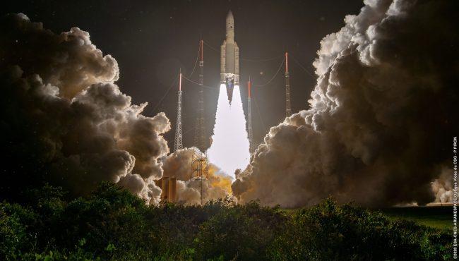 Ariane 5 liftoff nahled