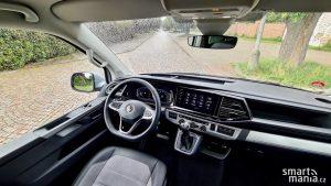 Pracovní prostředí řidiče, kde vše máte po ruce.