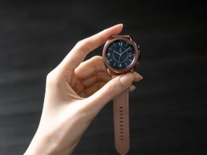 01 galaxywatch3 lifestyle image