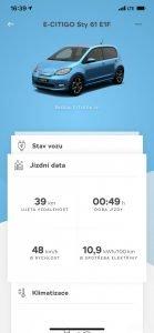 Nabízí i podrobné statistiky jízdy.