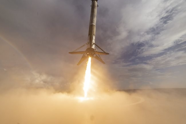 spacex falcon 9 booster 03