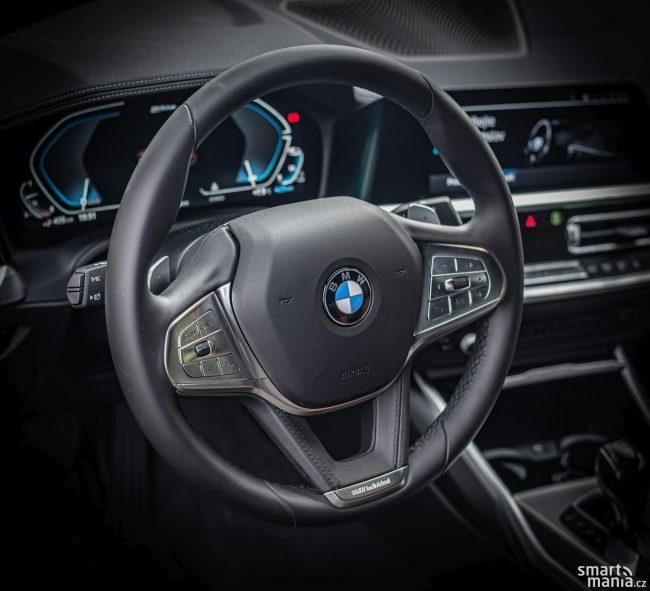 BMW 330e je recept, jak změnit petrolheadům pohled na hybridy.