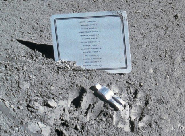 Fallen Astronaut pamatnik