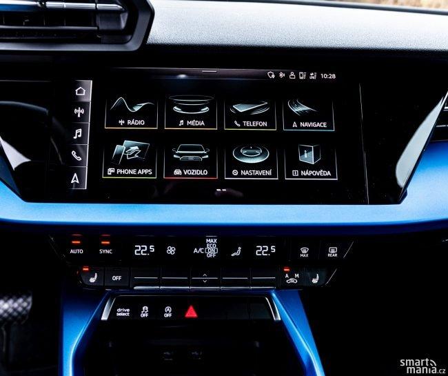 Pochvalu si Audi zaslouží za skvělou ergonomii. Pro ovládání hlasitosti i klimatizace slouží kvalitní tlačítka. Žádné dotykové plošky.