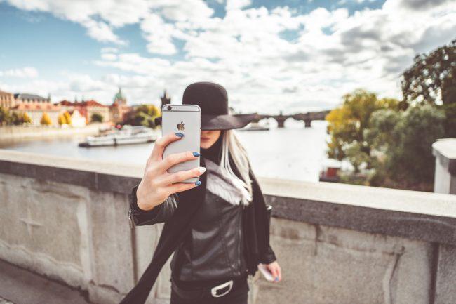 praha iphone selfie