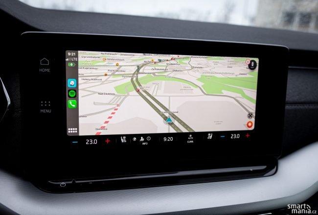 Apple CarPlay funguje i bezdrátově.