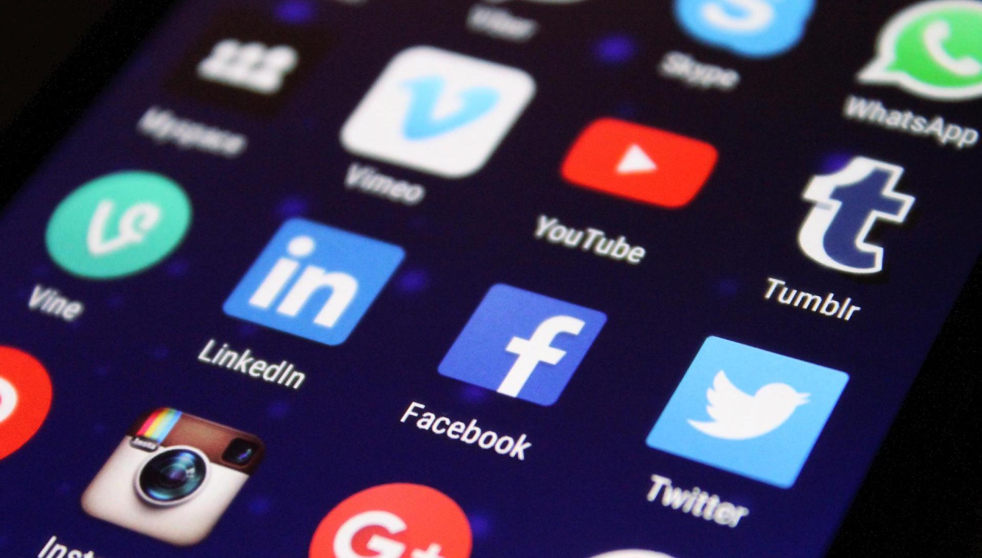 Soumrak Big Techu? Internetové giganty čeká regulace, v EU půjdou pokuty do miliard