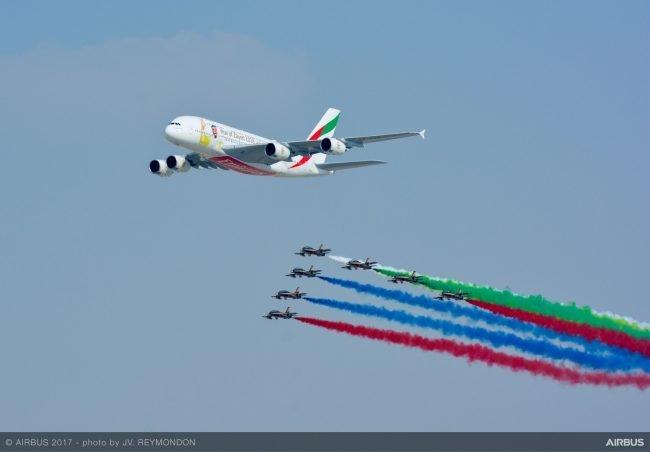 A380 Al Fursan flypast at Dubai Airshow 2017 3