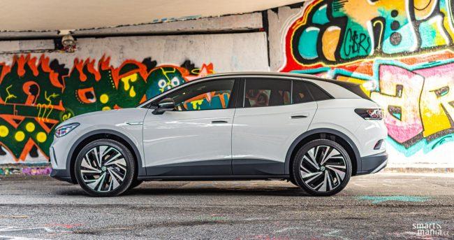 Volkswagen ID.4 je větší kus auta. Takový, jaký Češi mají rádi.