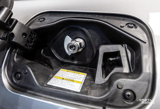 Vodík je malá mrška, která projde prakticky čímkoliv. Nemůže tedy procházet i skrz ventil?