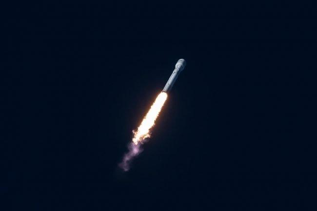 jumpstory rocket satelite satelit raketa 2