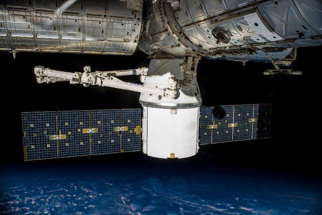 jumpstory rocket satelite satelit raketa 4