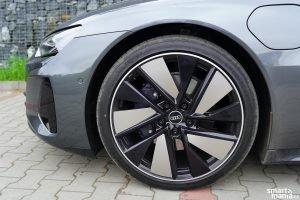 Audi etron GT 01