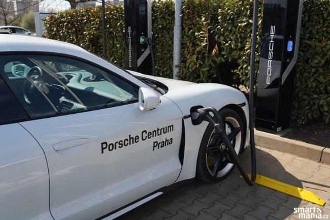 Porsche Taycan Turbo 38